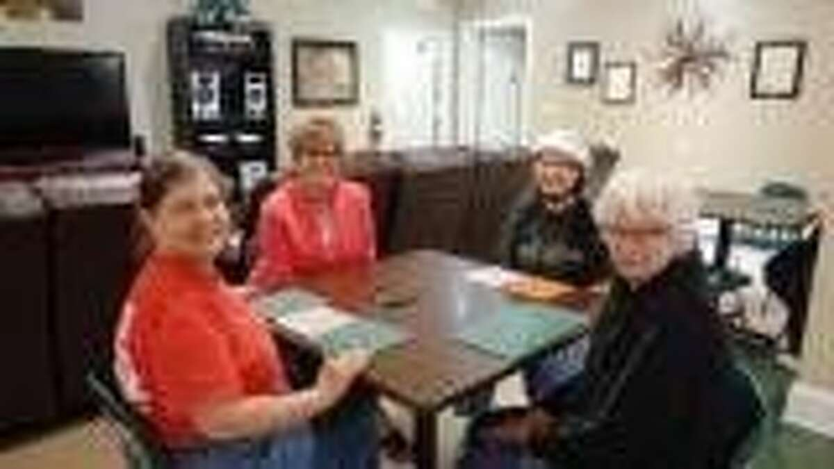 Pictured left to right are Sherry Davis, Kim Sullivan, pilot Beverly Sue Griffiths and Linda Fredieu.