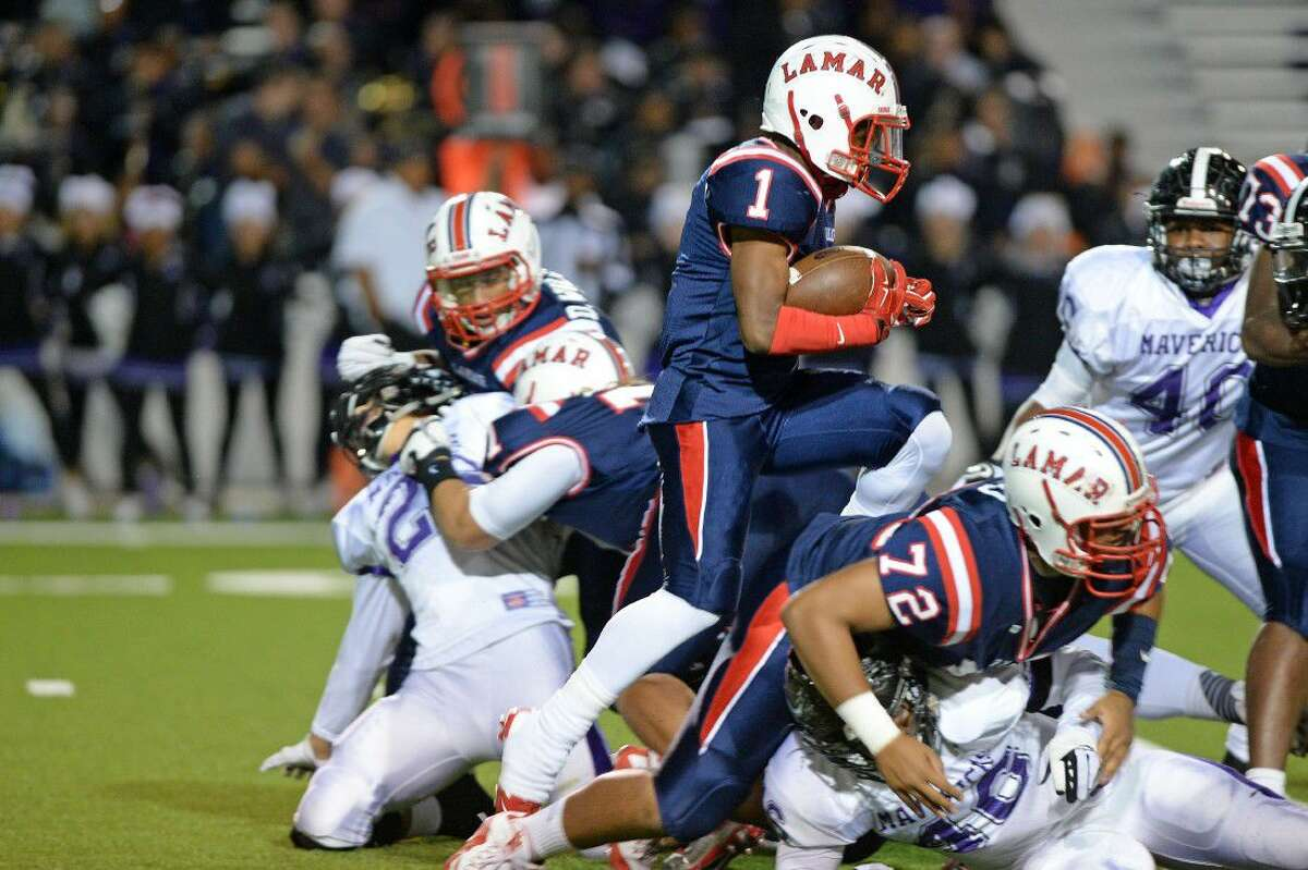 Ta'zhawn Henry and Lamar won district and area championships during an 11-2 season. The Texans return 16 starters for another run in 2016.