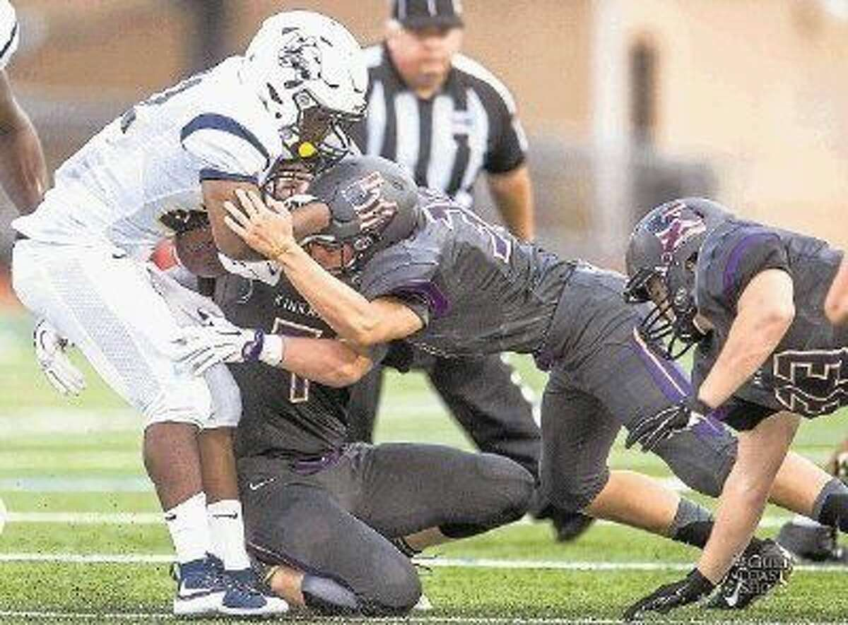 Kinkaid returns most of a defense that contributed to a Southwest Preparatory Conference championship in 2015. The Knights finished 8-3 last year.