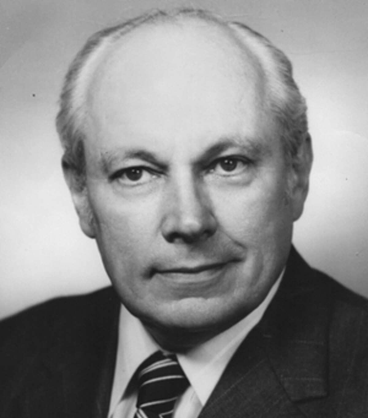 Carlson, Einar