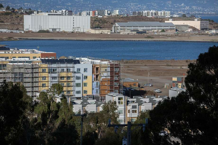 The shipyard housing projects are seen in the Bayview-Hunters Point neighborhood. Photo: Santiago Mejia, Special To The Chronicle