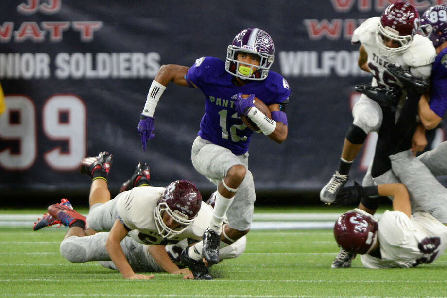 Terry Petry and Ridge Point look for a 2-0 start against Lamar Consolidated, Sept. 1 at Taylor Stadium. The Panthers opened 2016 with a 31-10 victory against Kingwood. Photo: Craig Moseley