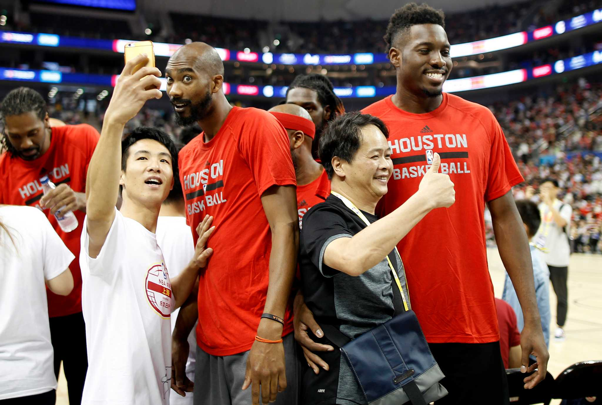 Rockets Pelicans Thrill Fans In Shanghai San Antonio