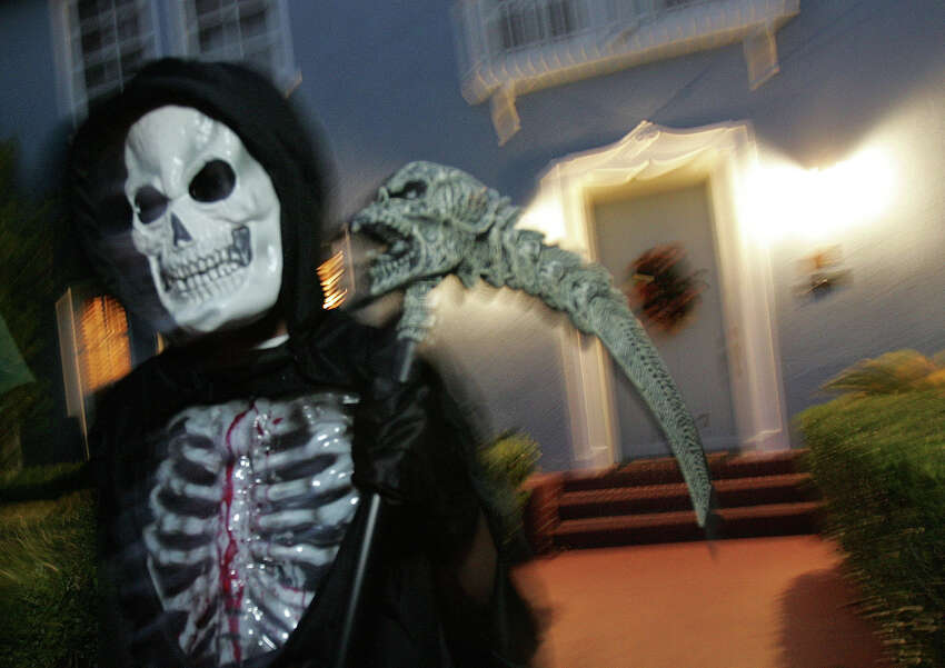 Click ahead to view 8 Halloween safety tips from the San Antonio Fire Department. 1.