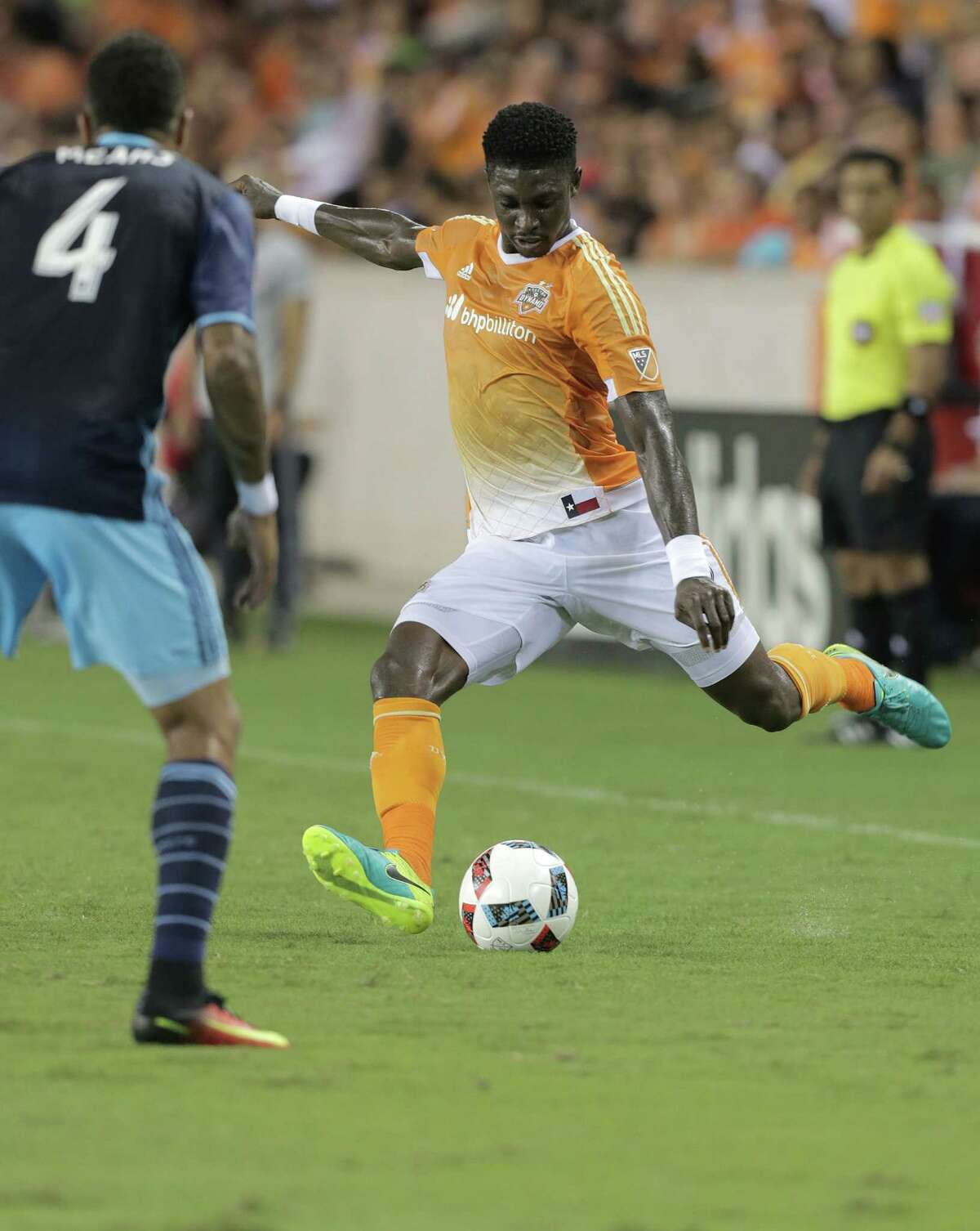 Houston Dynamo defender Jalil Anibaba (2) kicks the ball in the first half of MLS game action on Wednesday, Aug. 24, 2016, in Houston. ( Elizabeth Conley / Houston Chronicle )