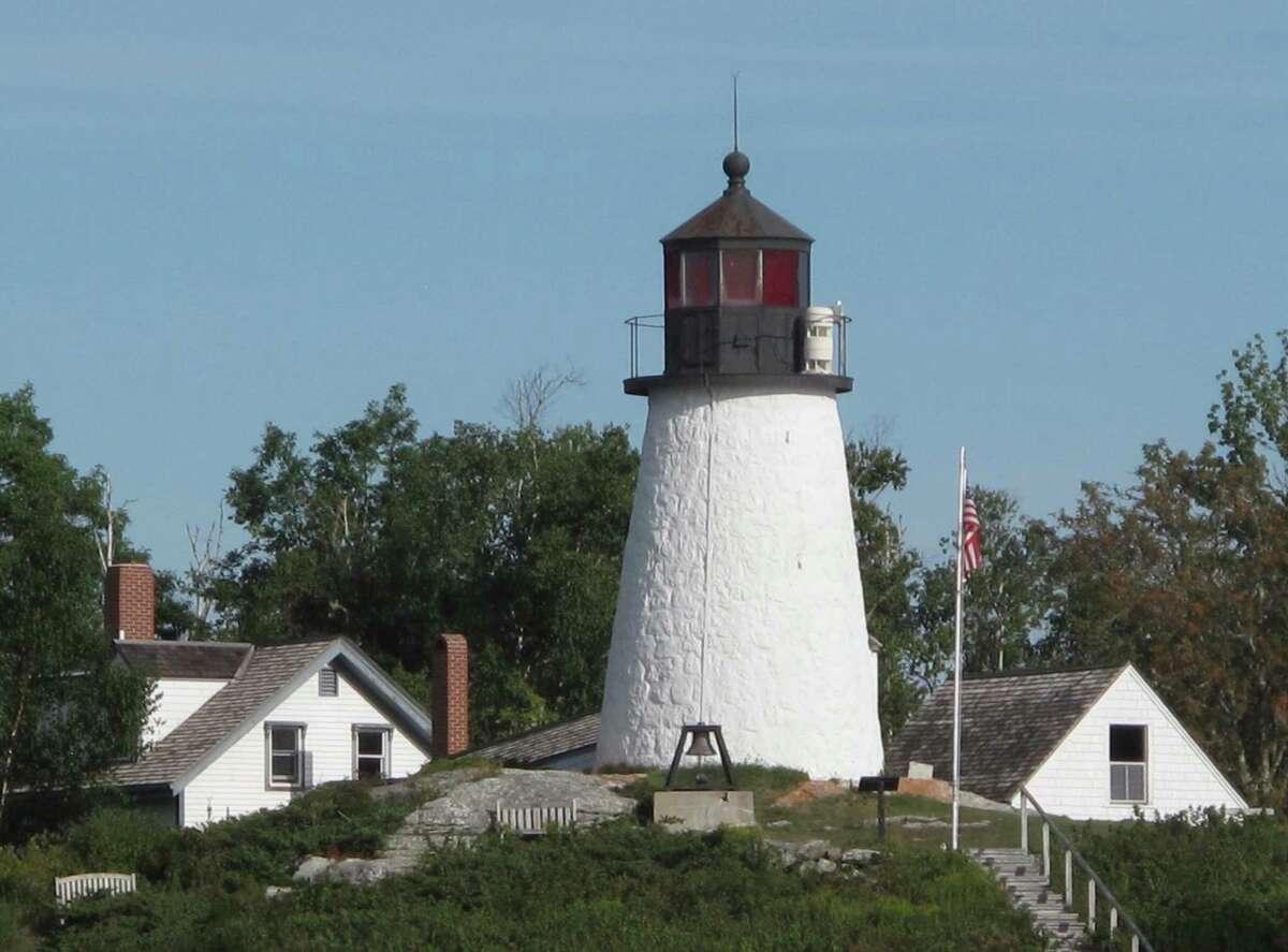 12. Maine Costs rank: 32 Safety rank: 2 Activities rank: 26