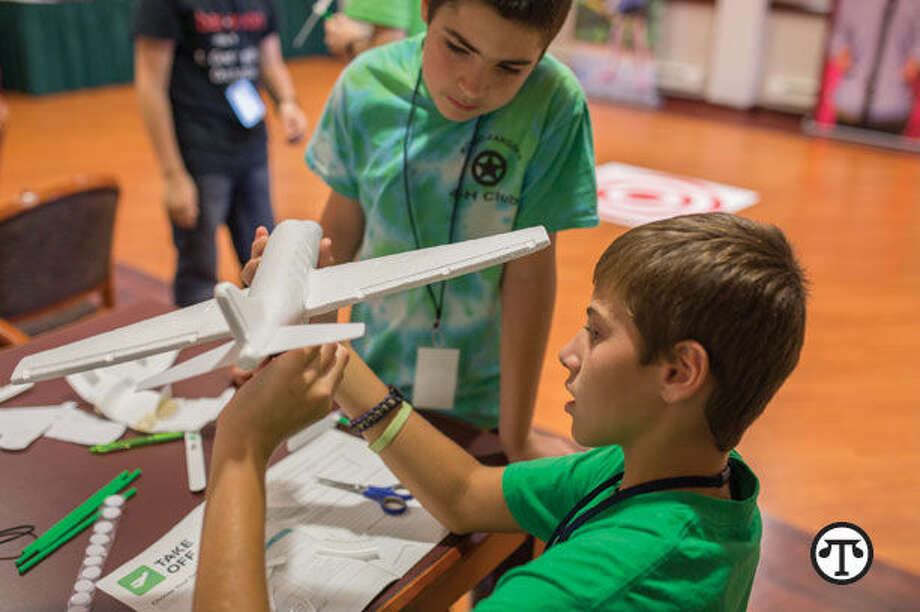 4-H National Youth Science Day offers hands-on learning in STEM (Science, Technology, Engineering and Math) to thousands of youth across the country. (NAPS)