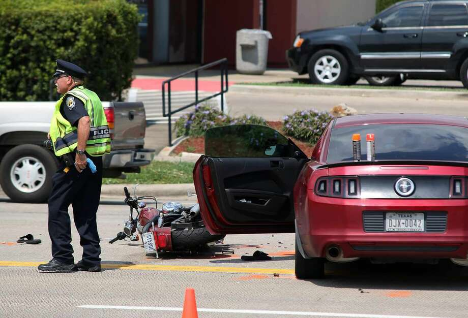 A Friendswood motorcyclist has died from injuries he sustained in a Tuesday afternoon wreck, police said Wednesday. Photo: Kar Hlava