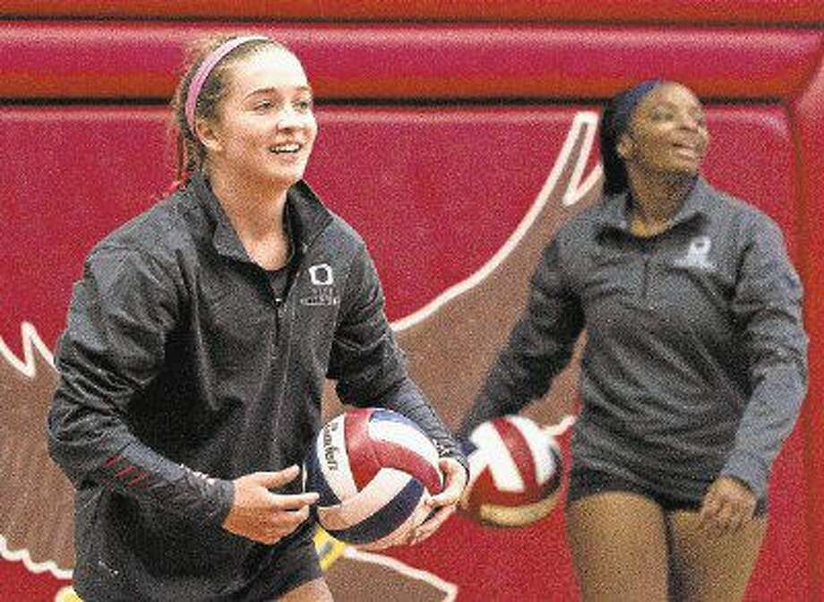 Oak Ridge outside hitter Shae Green (3) is seen during warmups before a match with Tomball last month.