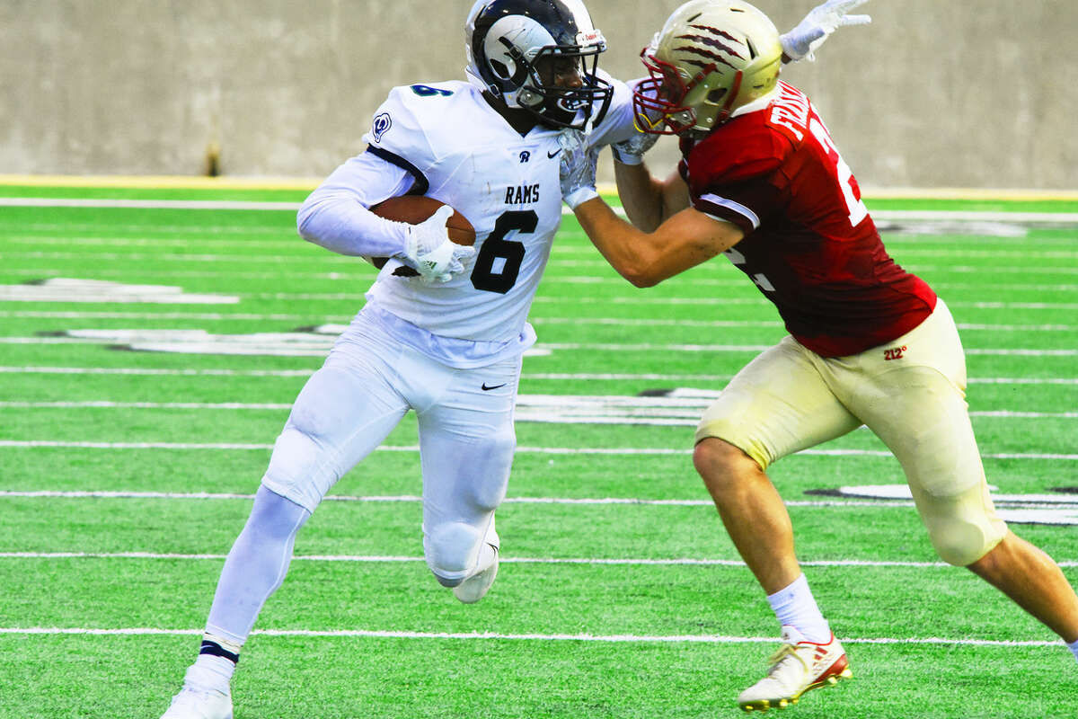 Cy-Ridge fields the most potent offense in 17-6A through three games. The production is due not only to superlative play from star senior running back Trelon Smith, but also a balanced attack keyed by accurate, efficient play from senior Tyson Williams in the quarterback slot.
