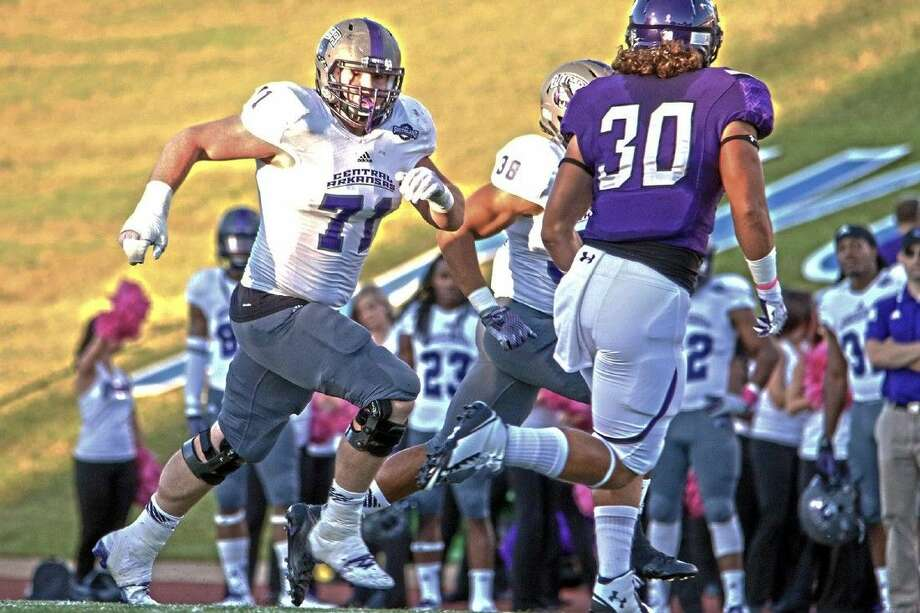 Clements graduate Cole Caruthers (71) and Central Arkansas are 4-1 in Southland Conference play. Caruthers, a senior lineman, is a two-time all-SLC selection. Photo: University Of Central Arkansas