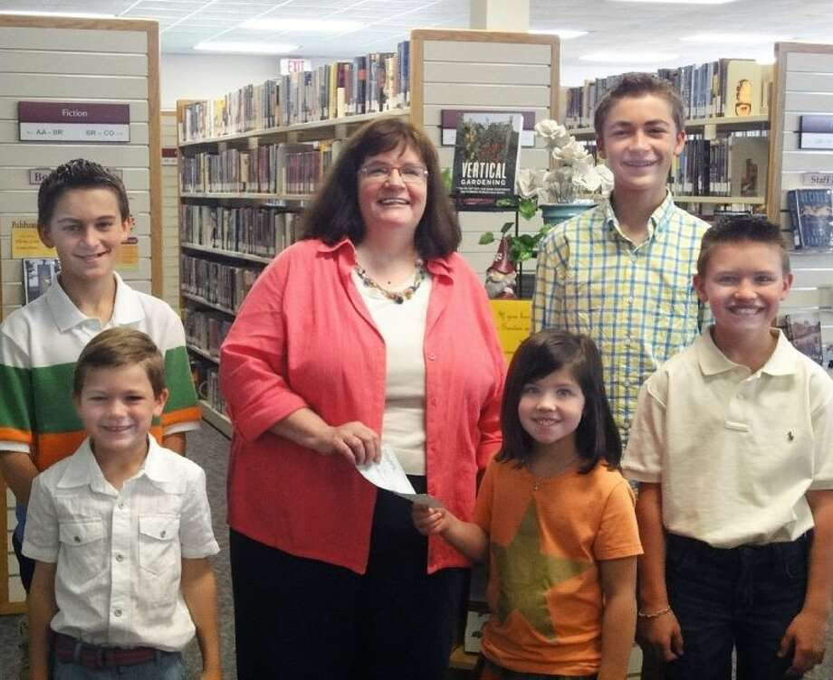 (Left) Jackson Stephens, Turner Stephens, Susan Browning, Langley Ella Guidry, McCann Stephens, and Grayson Guidry. Photo: Submitted Photo
