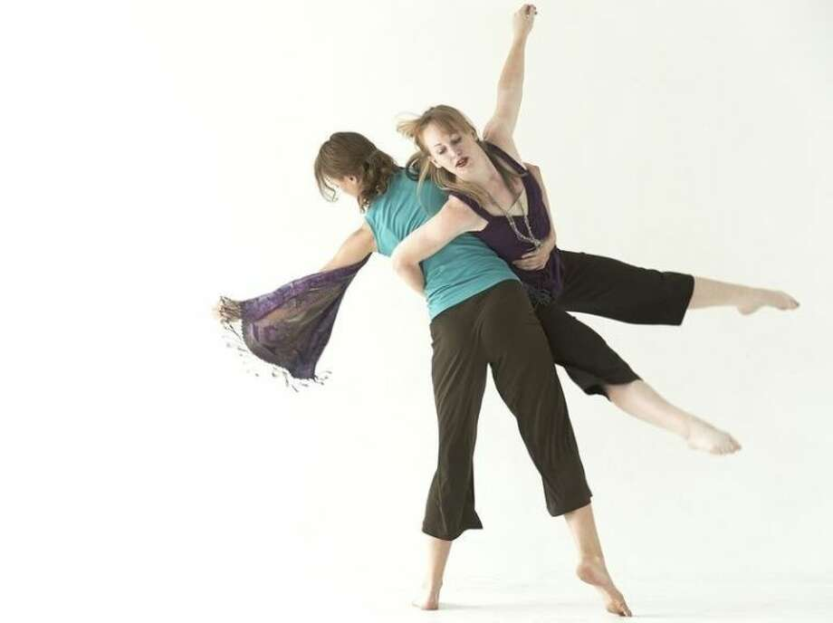 Rebekah Chappell and Ashley Horn perform with Houston Choreographers X6 at the ERJCC Photo: Simon Gentry