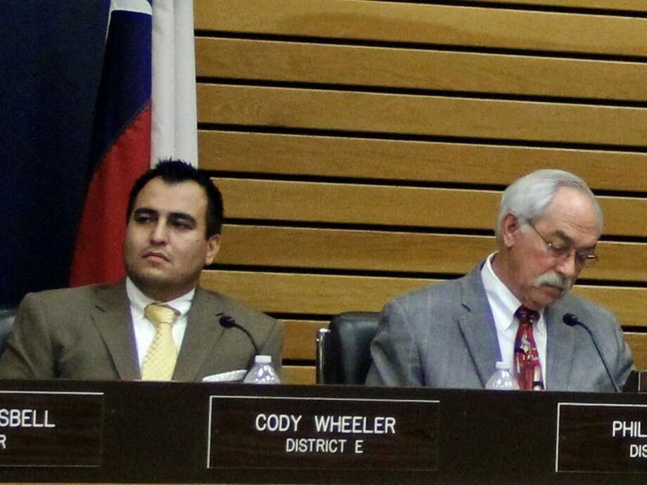 Pasadena City Councilmembers Cody Wheeler (left) and Phil Cayten (right) found themselves on the opposite sides of an issue recently when the council voted to makes changes that would (among other things) limit the amount of time council members can speak during meetings. Photo: KRISTI NIX