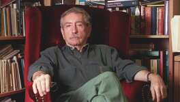 Playwright Edward Albee talks in 2001 about his annual spring semester teaching playwriting at the University of Houston. Pearland Junior High East teacher John Grimmitt was one of his students