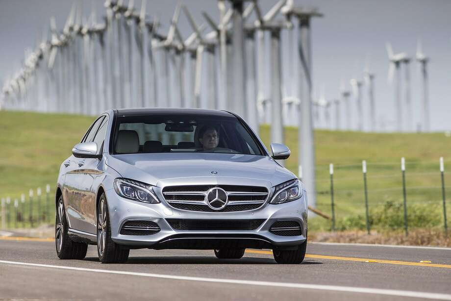 2016 Mercedes-Benz C350e Hybrid Sedan Photo: Mercedes-Benz USA