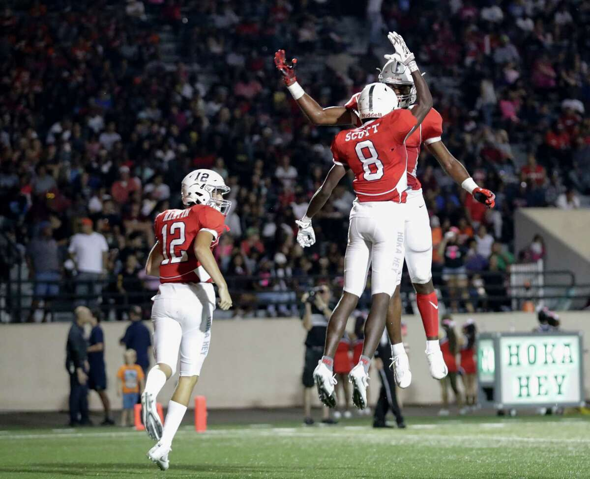 Underdog Mavericks There are very few times Manvel has ever been considered an underdog. That's what happened when you continually pump out top talent and reach the region semifinals for seven years in a row. But as was the case the last three years against Katy, Manvel walks into a showdown against a state contender. It's the defending champions this time in Cedar Park, which claimed the Div. II-5A title a year ago. Both are 12-0 and meet Saturday afternoon (2 p.m.) at Texas A&M's Kyle Field. That could be good luck for Manvel - head coach Kirk Martin's son Koda is an offensive lineman for the Aggies. Manvel does have one state appearance on its resume, but it will take the Mavericks' 'A' game to get by Cedar Park.