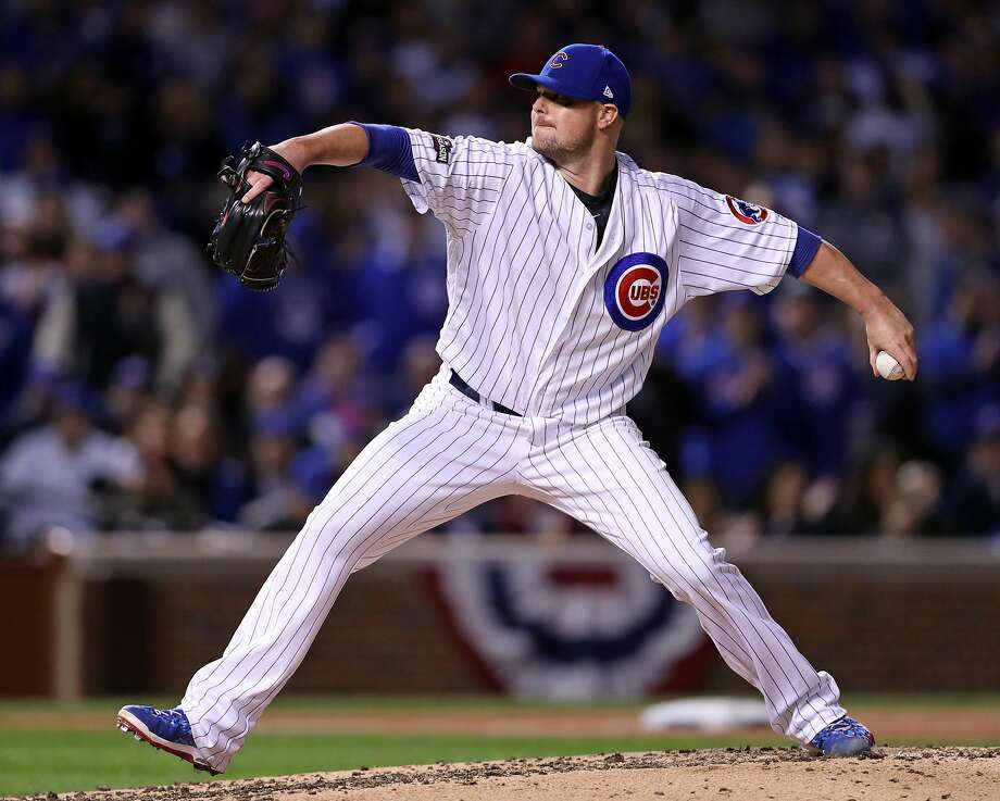 Cubs starter Jon Lester, heavily recruited by the Giants two winters ago, pitches in the fifth inning. Photo: Scott Strazzante, The Chronicle