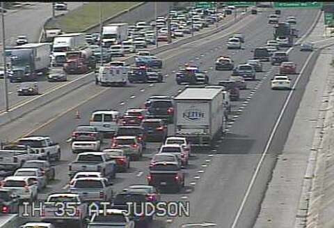 Accident causes traffic on Northeast Side highway - Houston