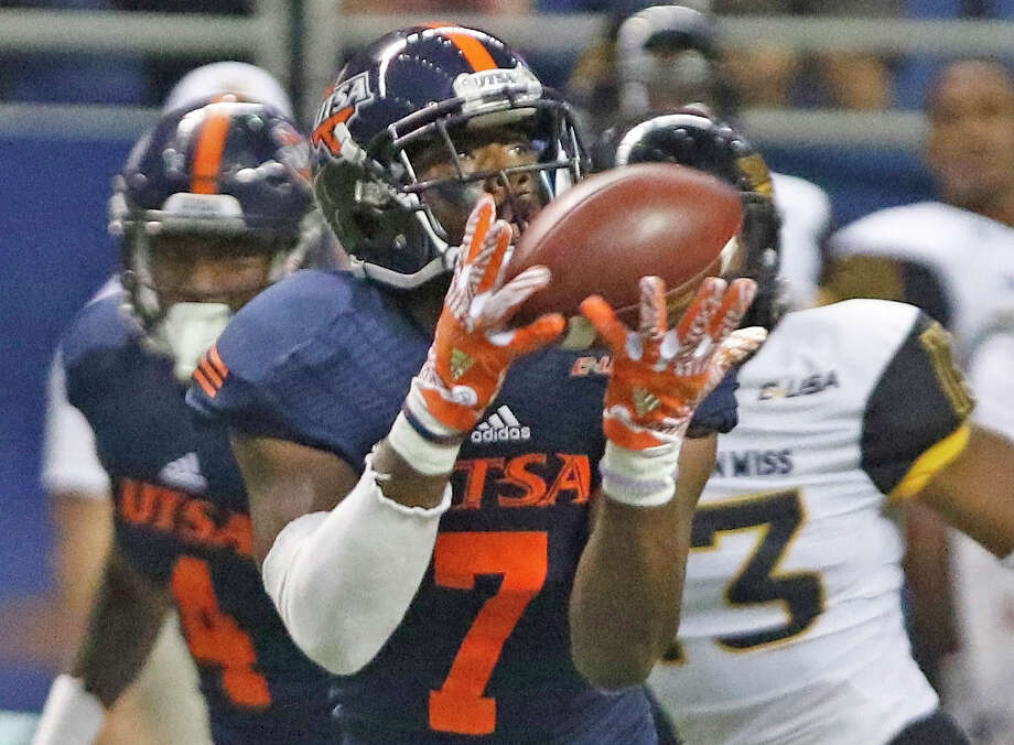 UTSA's Kerry Thomas jr. hauls in a 71 yard TD reception in UTSA-Southern Miss. football @Alamodome on Saturday, October 8, 2016 Photo: Photos By Ron Cortes / For The Express-News