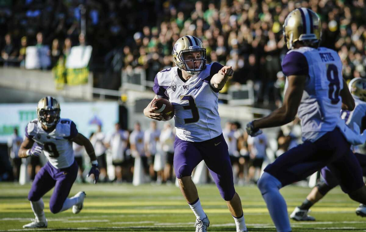 Best: The Point Chris Petersen would probably hate that this is number one on our list, but come on: Jake Browning pointing at an Oregon defender with no chance to stop him from scoring the first touchdown of the Dawg's 2016 beatdown of the Ducks is iconic. Oregon had won 12 straight in the series, but one finger from Browning made it clear that the Huskies weren't going to let the streak go to 13.