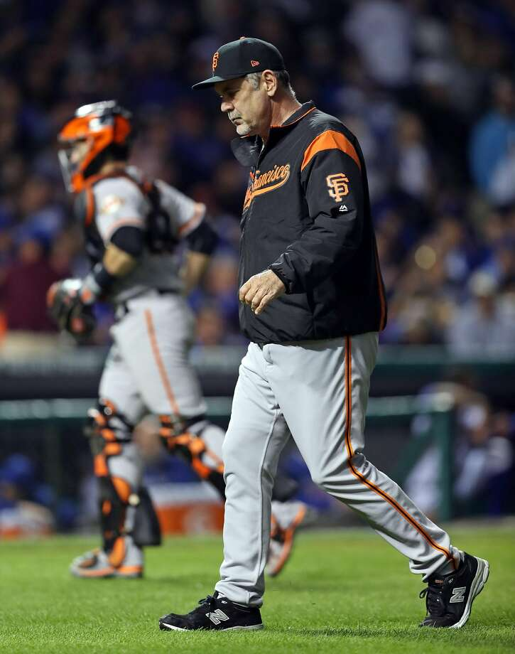 San Francisco Giants' manager Bruce Bochy heads to the dugout after making a pitching change in 6th inning against Chicago Cubs during Game 2 of the National League Division Series at Wrigley Field in Chicago. IL, on Saturday, October 8, 2016. Photo: Scott Strazzante, The Chronicle