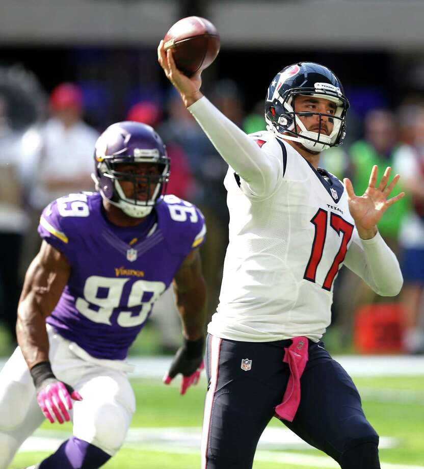 QuarterbackBrock Osweiler's 56.1 rating said it all. He couldn't get anything going in the first half. The offense was horrendous. They had 67 yards on six series in the first half. He started 6-of-20 for 54 yards.Grade: F-minus Photo: Brett Coomer, Houston Chronicle / © 2016 Houston Chronicle