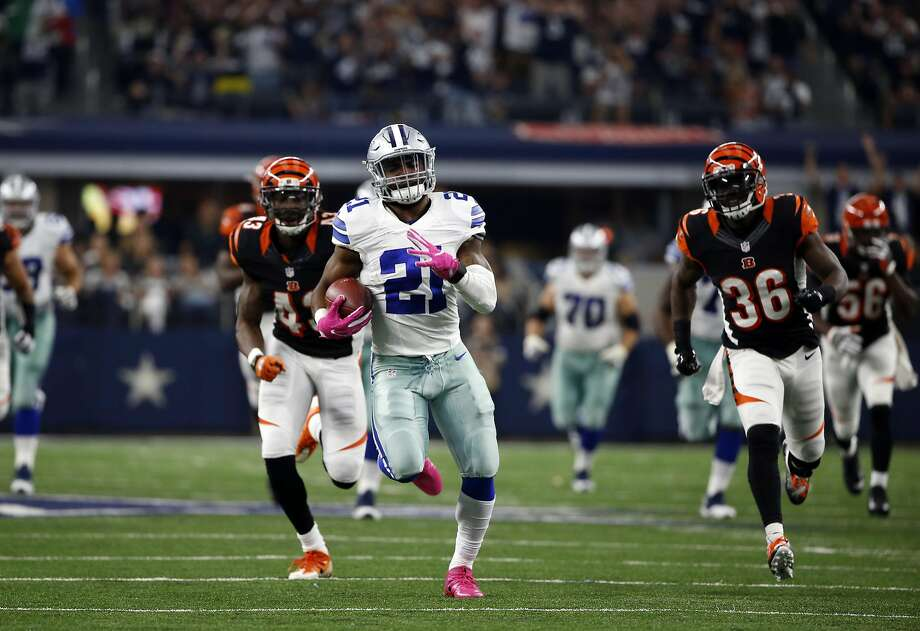 Cowboys rookie Ezekiel Elliott ran for 134 yards and two touchdowns. Photo: Ron Jenkins, Associated Press