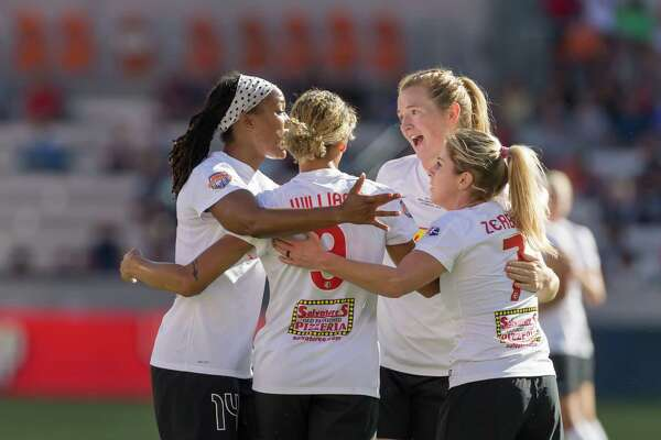October 9 2016: Western New York Flash midfielder Samantha Mewis (5) and teammates celebrate her goa during the NWSL championship match between the Washington Spirit and WNY Flash at BBVA Compass Stadium in Houston, Texas.  (Leslie Plaza Johnson/Chronicle)