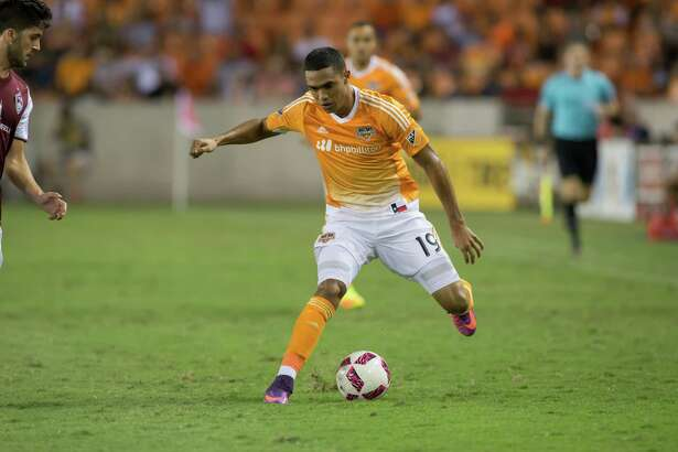 October 8 2016: Houston Dynamo forward Mauro Manotas (19) scores a goal in the 45th minute during the MSL match between the Colorado Rapids and Houston Dynamo at BBVA Compass Stadium in Houston, Texas.  (Leslie Plaza Johnson/Chronicle)