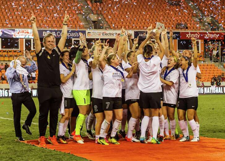 October 9 2016: WNY Flash head coach Paul Riley and team celebrate their win during the NWSL championship match between the Washington Spirit and WNY Flash at BBVA Compass Stadium in Houston, Texas.  (Leslie Plaza Johnson/Chronicle)