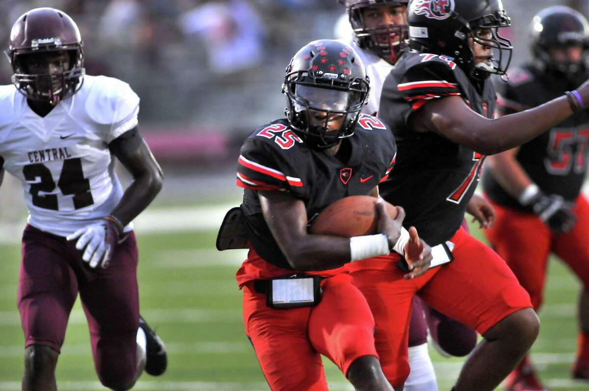 2. Port Arthur Memorial (5-0) This Week: The Titans shrugged off a slow start to get an impressive 27-7 road win over Lumberton. Next: plays host to No. 3 Port Neches-Groves