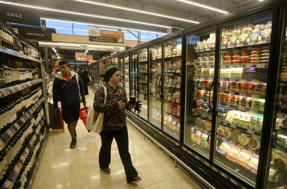 H-E-B's South Flores Market, which opened downtown last month, is the chain's smallest store at 12,000 square feet. The convenience store on Bandera would be more than half that size at 7,416 square feet.
