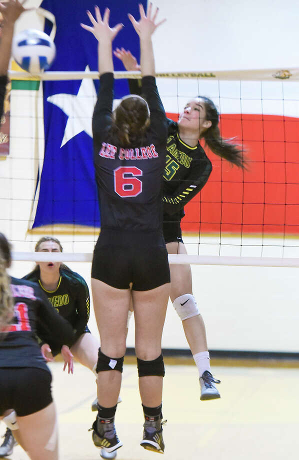 Laredo Community College Denise Loredo keeps the ball alive during a game against Lee College on Saturday afternoon at LCC Fort Macintoh's Maravillo Gym. Photo: Danny Zaragoza/Laredo Morning Times
