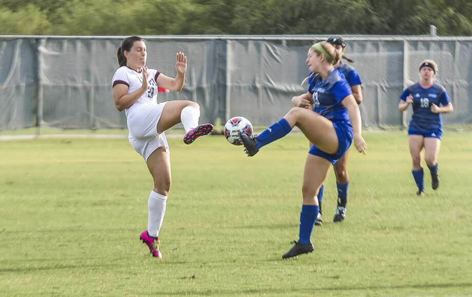 Texas A&M International University Cio Bargallo tries to block the ball during a game against St. Mary's University at TAMIU's Dustdevil Field. Photo: Danny Zaragoza/Laredo Morning Times