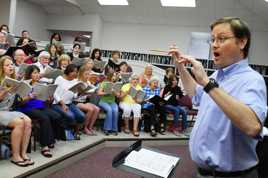 Houston Choral Society has kicked off its 30th season with new artistic director Kevin Klotz.