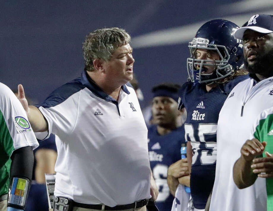 Rice Owls head coach David Bailiff talks with Rice Owls defensive tackle Roe Wilkins (95) after an unsportsmanlike conduct penalty in the second overtime period during the NCAA football game between the North Texas Mean Green and the Rice Owls at Rice Stadium in Houston, TX on Saturday, September 24, 2016.  The Mean Green defeated the Owls 42-35 in double overtime. Photo: Tim Warner, Freelance / Houston Chronicle