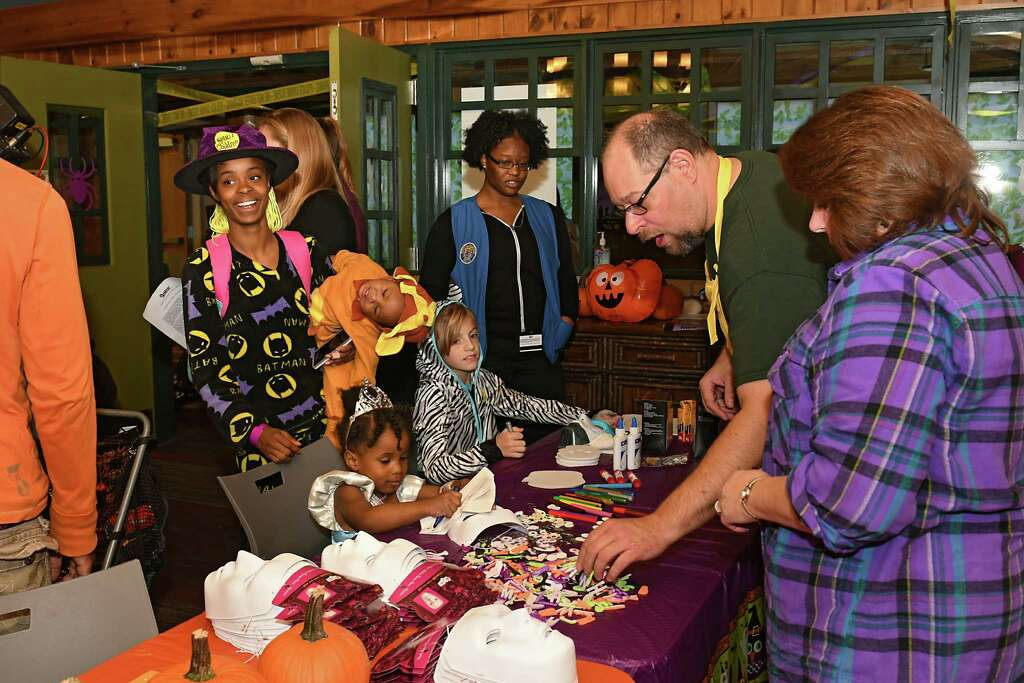 volunteers from 14 local spirit halloween stores cheer up patients and families with a halloween party - Halloween Stores In Albany Ny