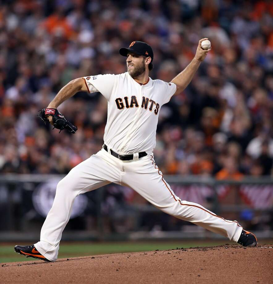San Francisco Giants' Madison Bumgarner pitches to Chicago Cubs in 1st inning during Game 3 of the National League Division Series at AT&T Park in San Francisco, Calif., on Monday, October 10, 2016. Photo: Scott Strazzante, The Chronicle