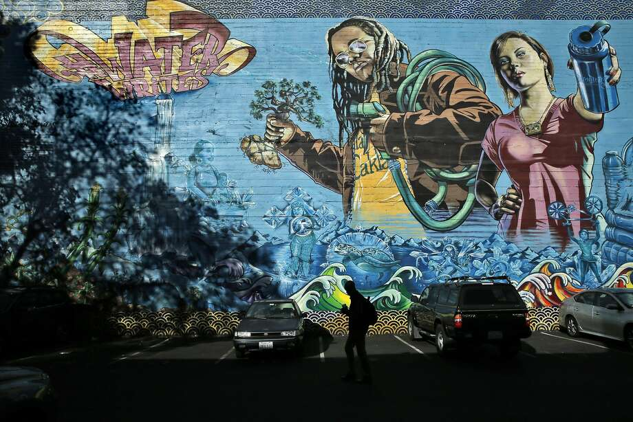 The Water Writes Mural #2 at 21st Street and Broadway in Oakland, Calif., on Monday, October 10, 2016. The mural is part of an international series of collaborative murals about critical water issues. Photo: Carlos Avila Gonzalez, The Chronicle