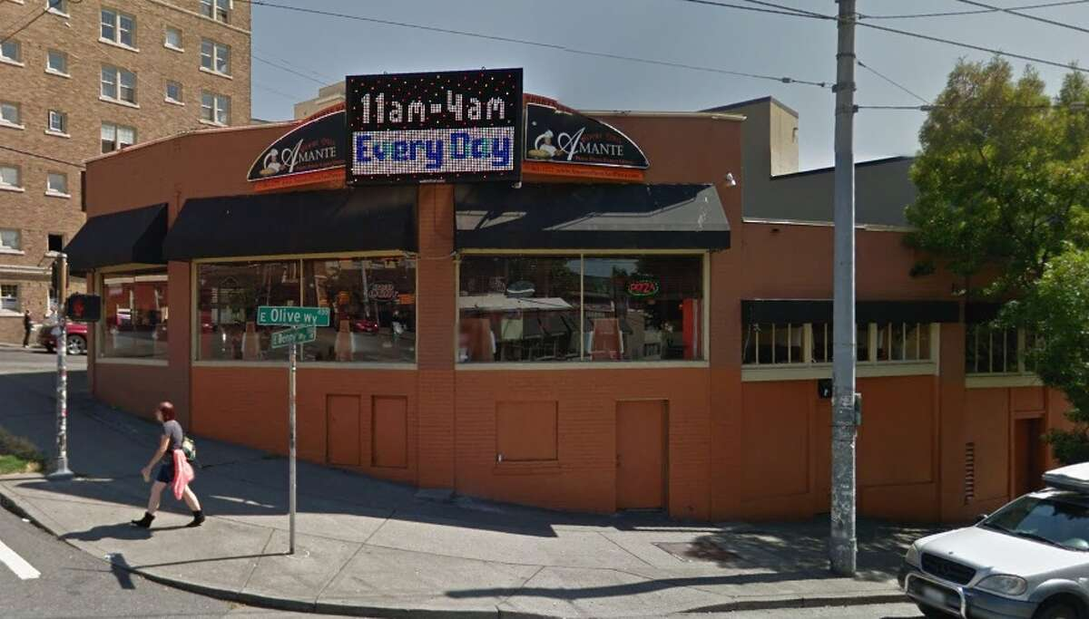 Police arrested a man at Amante Pizza and Pasta in Capitol Hill Monday after he reportedly dropped his trousers while ordering bread sticks.