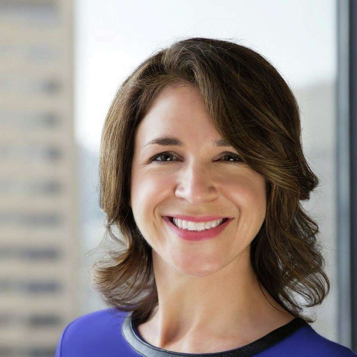 Environmental attorney Hilary Franz is moving ahead in her bid to become Washington's next Public Lands Commissioner.