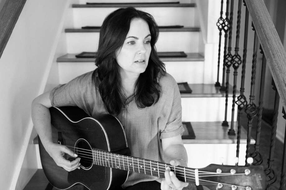 Singer-songwriter Lori McKenna Photo: Becky Fluke