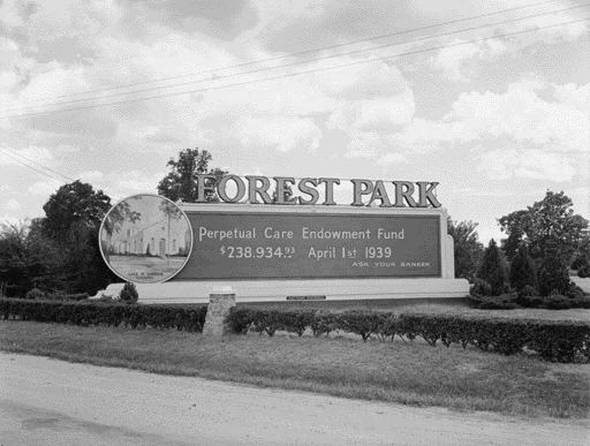 Forest Park Cemetery as seen in 1939, when it was newly minted. It was one of the first perpetual care cemeteries in the city.