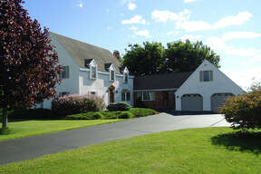 House of the Week: 200 Alcove Rd., Coeymans |  Realtor:    For sale by owner  |  Discuss:   Talk about this house