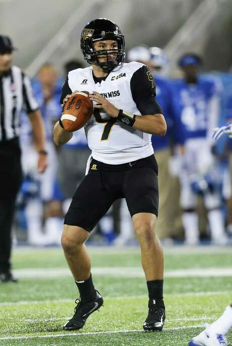 Southern Mississippi quarterback Nick Mullens looks for a receiver in the second half of an NCAA college football game against Kentucky Saturday, Sept. 3, 2016, in Lexington, Ky. Southern Mississippi won the game 44-35. (AP Photo/David Stephenson) Photo: David Stephenson, FRE / FR171246 AP