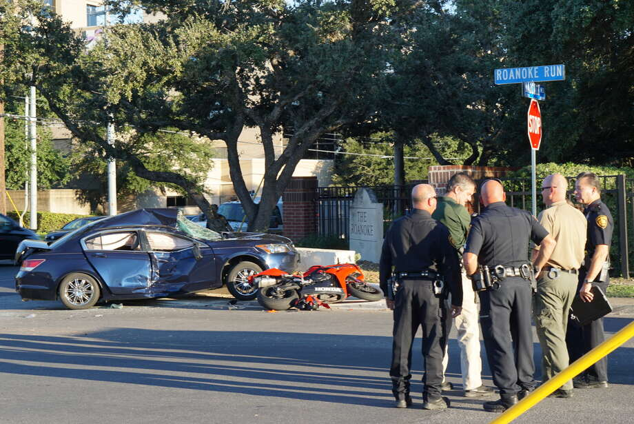 A motorcyclist died after colliding into another vehicle near the 2800 block of Babcock Road Oct. 12, 2016. Photo: Jacob Beltran