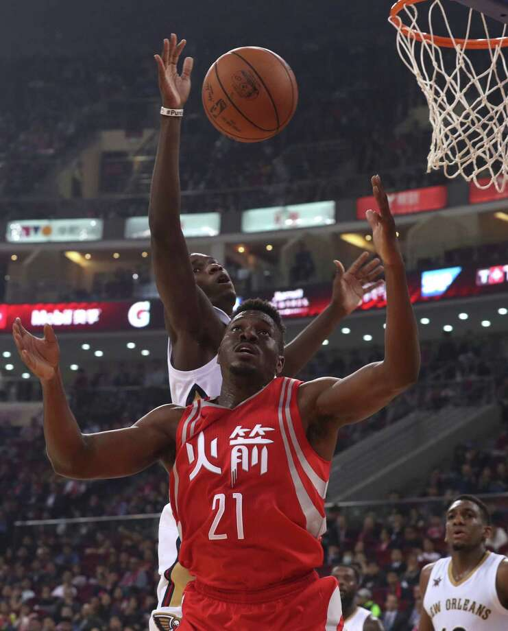 The Chinese fans didn't seem to mind that the game featured the likes of Rockets rookie Chinanu Onuaku (21) and the Pelicans' Cheick Diallo. Photo: Ng Han Guan, STF / Copyright 2016 The Associated Press. All rights reserved.
