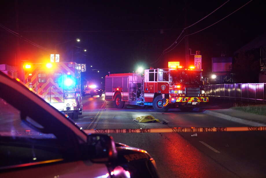 A woman was fatally struck about 9 p.m. Wednesday, Oct. 12, 2016 in the 600 block of Zarzamora Street. Photo: Jacob Beltran