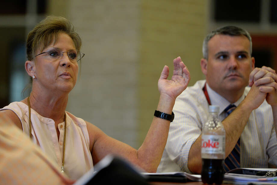Parent Karen Kiesling raises concerns during a committee meeting on a proposed District of Innovation plan at Hardin-Jefferson High School on Tuesday afternoon. Kiesling was concerned that the plan didn't offer details. Photo taken Tuesday 10/11/16 Ryan Pelham/The Enterprise Photo: Ryan Pelham / ©2016 The Beaumont Enterprise/Ryan Pelham